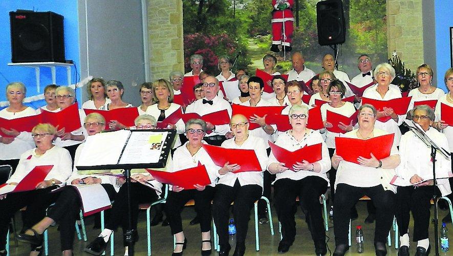 La chorale a interprété des chants de Noël, pour le plus grand plaisir de son auditoire.