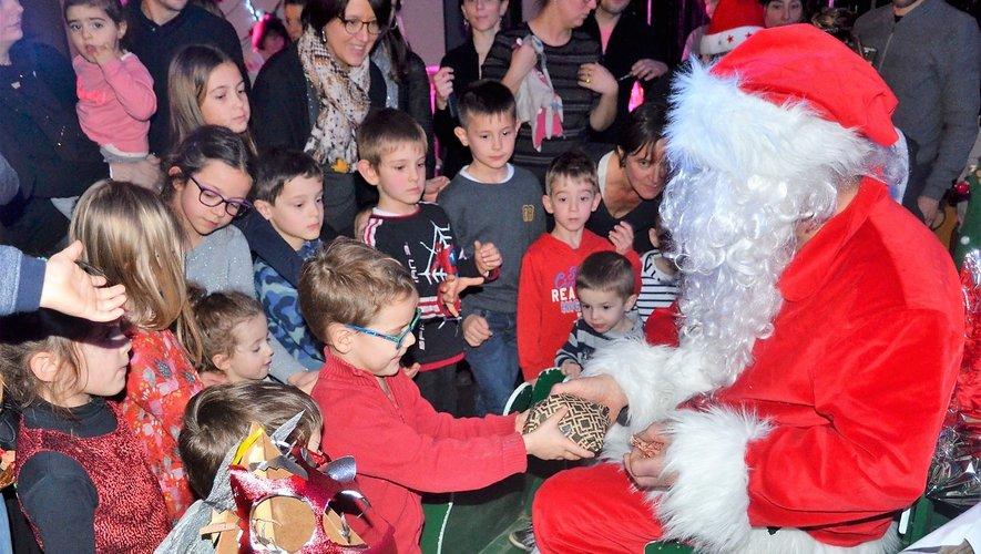 À Souyri, le spectacle de Noël a ravi une soixantaine d'enfants