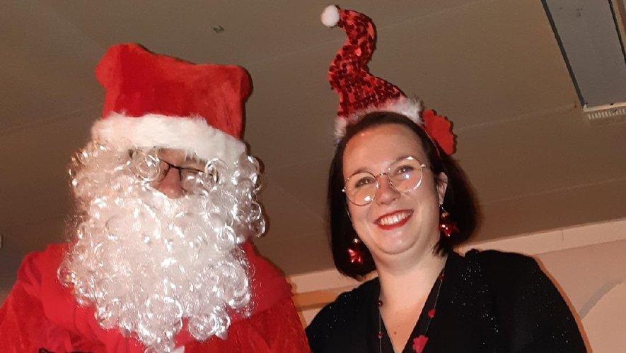 Le père Noël est apparu en fin de soirée, très attendu par les enfants.