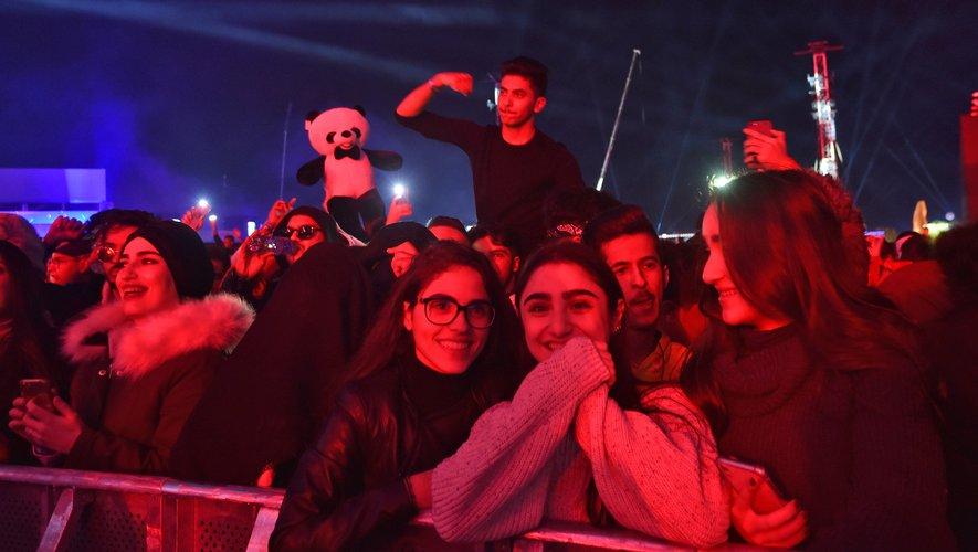 """De jeunes Saoudiens au""""MDL Beast Fest"""" près de Ryad (Arabie Saoudite)"""
