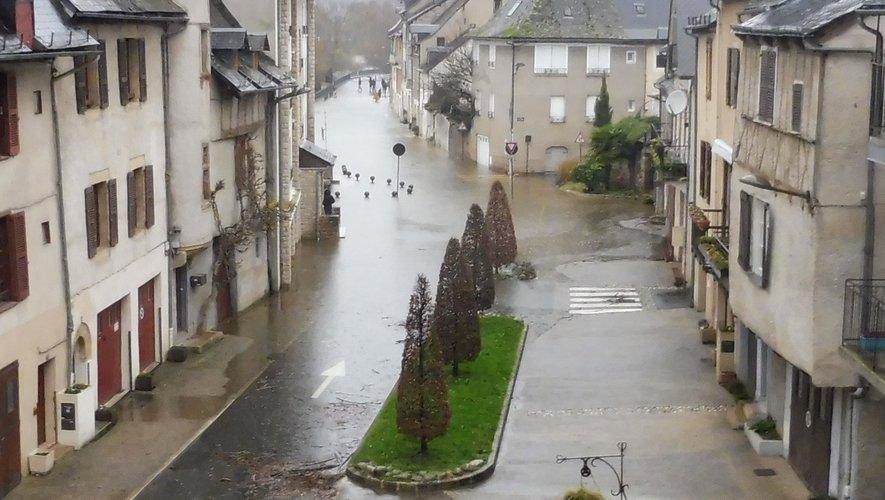 Le quartier du Moulin sur la rive droite d'Espalion a, une fois encore, eu les pieds dans l'eau avant Noël.