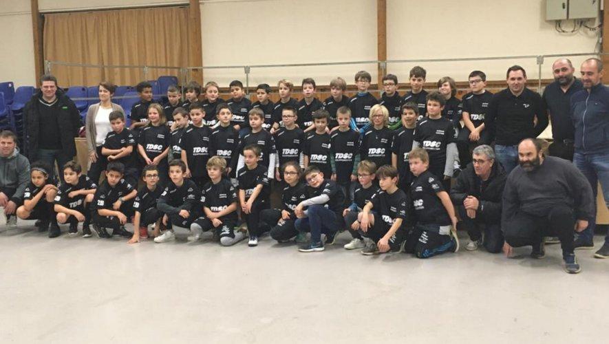 44 jeunes footballeurs équipés pour faire honneur à Avenir Causse.