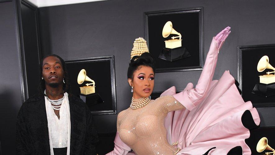 Malgré le caractère spectaculaire de la robe, on peut dire que Cardi B s'est totalement plantée pour les Grammy Awards tant pour l'aspect esthétique que pratique. Los Angeles, le 10 février 2019.