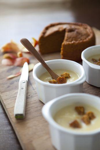 Soupe crémeuse pomme-pain d'épices