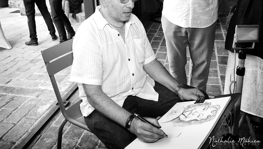 DAF, le caricaturiste, aux traits rapides comme la lumière.