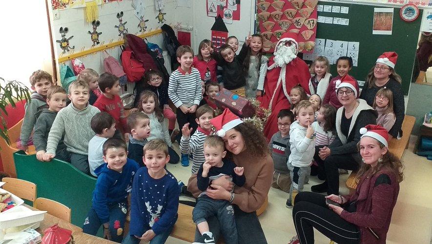 Petits et grands ont célébré Noël dans la joie.