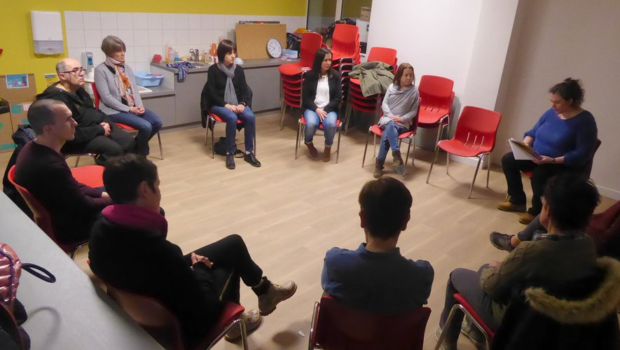 Les participants au dernier atelier assis autourde Céline Mazars.