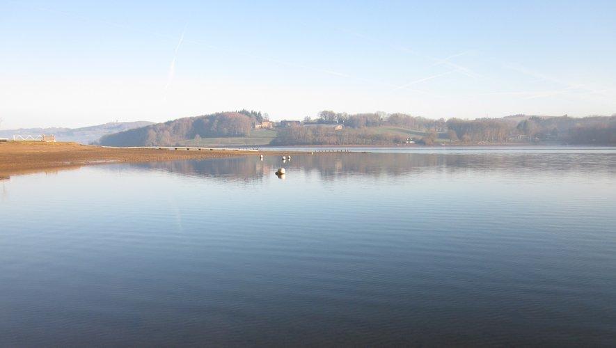 Le lac de Villefranche-de-Panat, en ce1er janvier 2020, avait une belle cote.