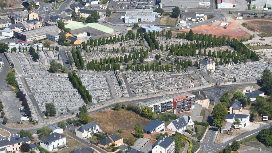 Vue aérienne du cimetière de Rodez.