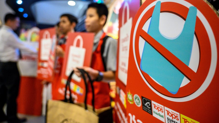 Les chaînes de supermarchés thaïlandaises ont cessé depuis le 1er janvier la distribution gratuite de sacs plastique aux caisses