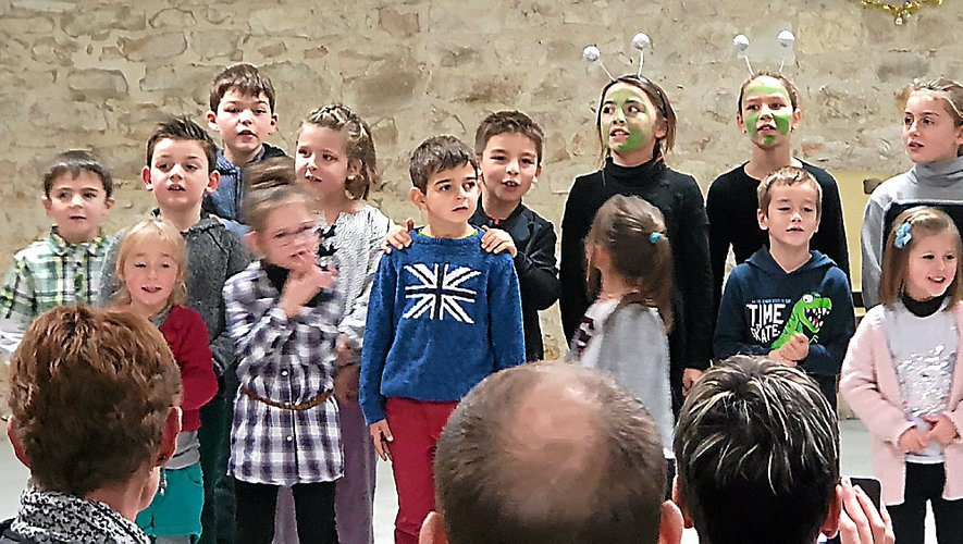 Un beau spectacle de Noël  à l'école publique