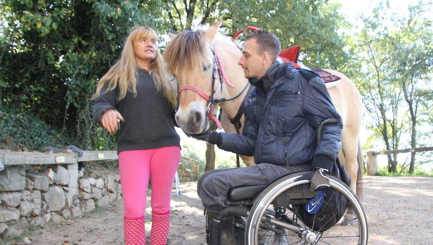 Marie-Pascale a aussi développé des activités autour du cheval et du handicap pour ouvrir l'activité équestre au plus grand nombre.