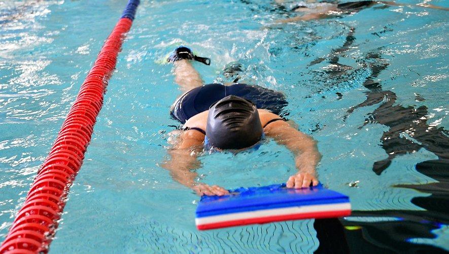 La natation, l'aquagym et l'aquabike sont des activités douces pour se remettre en forme.