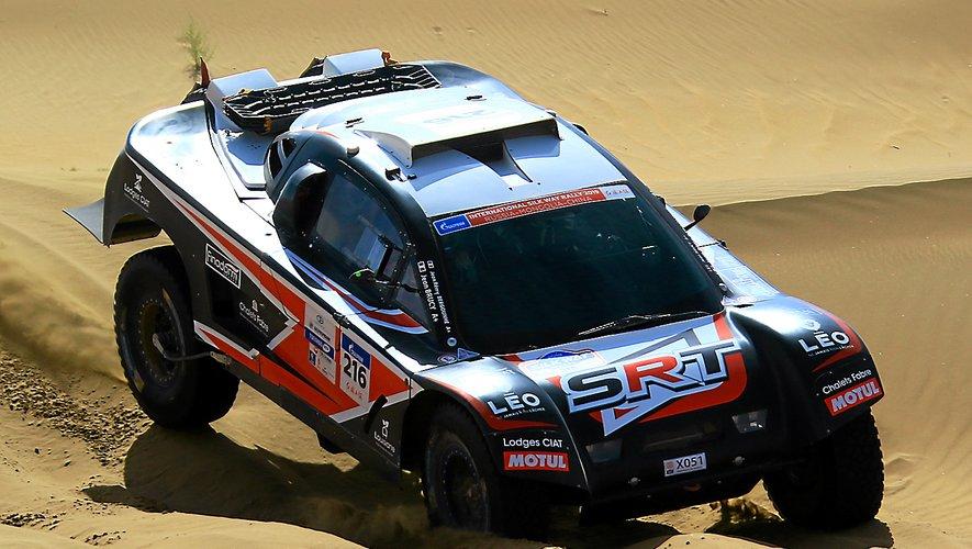 Jean-Rémy Bergounhe et son buggy dnas les dunes du Silk Way Rally.