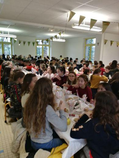 Les élèves de l'école et du collège Sainte-Marie ont fêté les… vacances