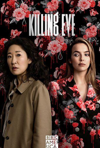 Sandra Oh (Eve, à gauche) et Jodie Comer (Villanelle) sur une affiche promotionnelle de la première saison reviendront dès le printemps 2020.