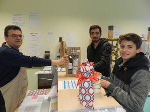 Patrick Pezet se réjouit  de l'agrément « Fabriqué  en Aveyron », obtenu pour les produits de son atelier.