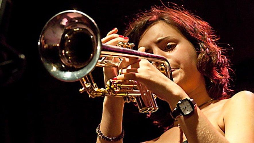 MINES DE JAZZ ET MILLAU EN JAZZ  La 18e édition du festival Mines de jazz aura lieu les 7,8 et 9 mai à Decazeville avec notamment la chanteuse, saxophoniste et trompettiste et chanteuse barcelonaise Andréa Motis. Du 12 au 18 juillet, cap au sud, pour le 29e festival de Millau en jazz.