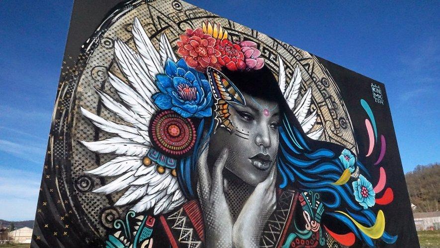 STREET ART A DECZEVILLE  En quelques mois, l'ancien pays noir a repris des couleurs, grâce aux street artistes du festival Mur Murs. Un plateau de choix réuni par Jo Di Bona et sa compagne Amélie. Y aura-t-il une deuxième édition en 2020 ? Tout le monde l'espère.