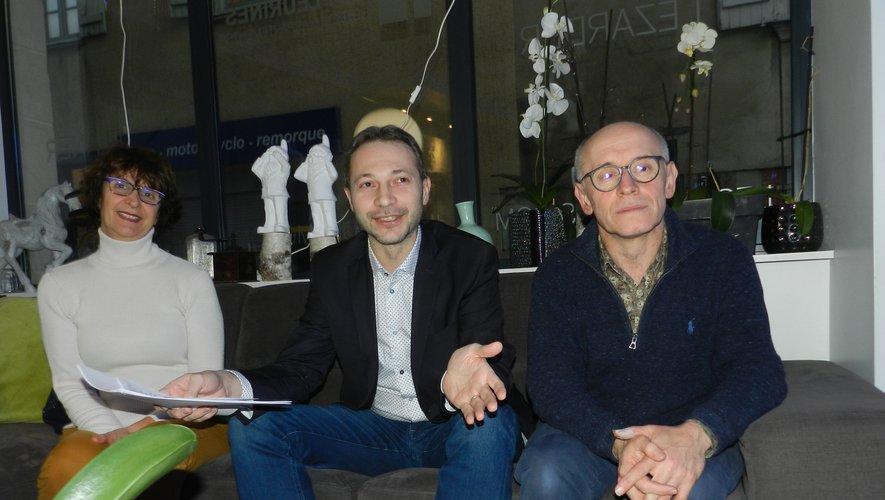 Laurent Tranier, entouré  de Françoise Mandrou-Taoubi  et de Patrice Calmels.