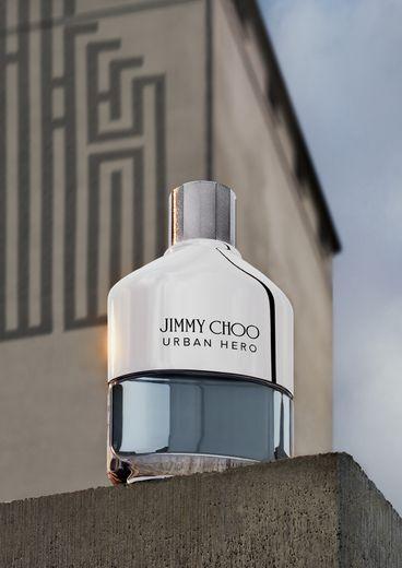 "Jimmy Choo présente son nouveau parfum masculin ""Urban Hero""."