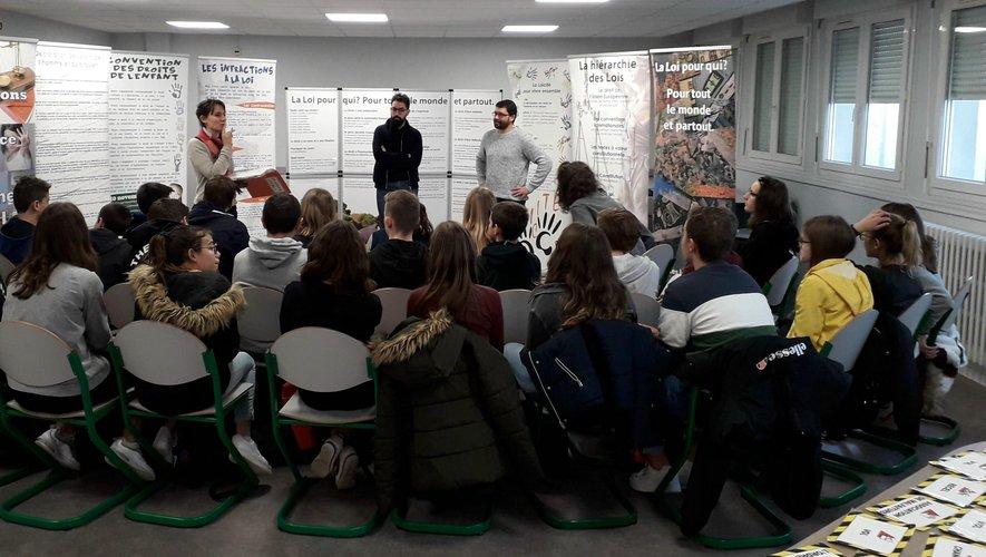 Des élèves intéressés qui souhaitaient voir la séance se prolonger.