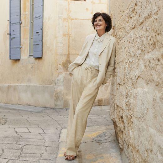 Ines de la Fressange s'inspire des années 20 pour sa nouvelle collaboration avec Uniqlo.
