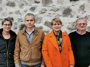 Christiane Trézières entourée de Sandrine Hillion, du docteur Didier Venu et de Marc Bouby.