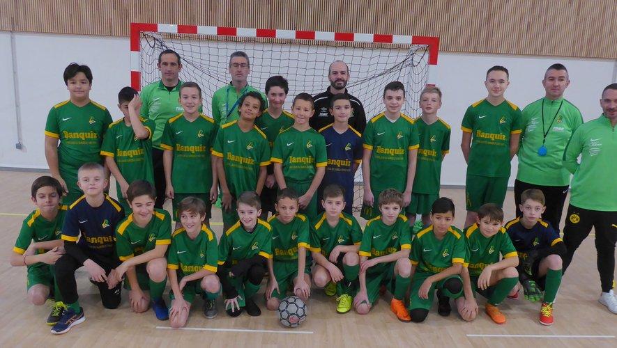 Les trois équipes U13 de LPFC et les éducateurs participant à ce plateau futsal.