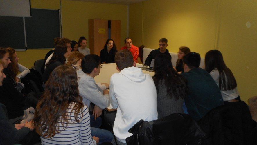 Rencontres et échanges entre jeunes étudiants ou bien retrouvailles pour certains.