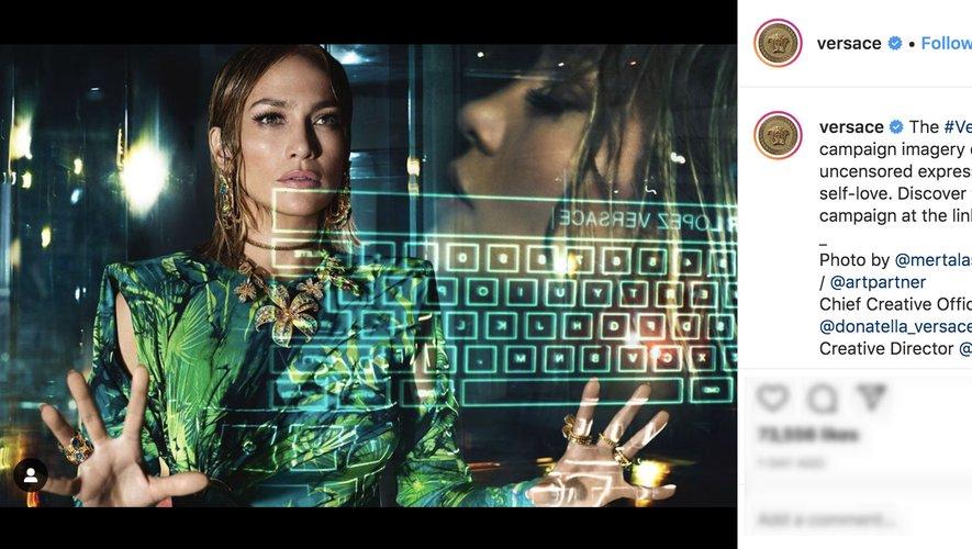 Jennifer Lopez est la vedette de la campagne printemps-été 2020 de la maison italienne Versace