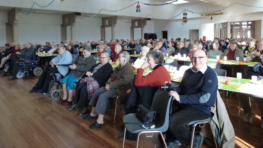 Cent quatre-vingts aînés de la commune se sont retrouvés, samedi,dans la salle des fêtes.