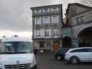 Le directeur des caves de Roquefort est décédé ce matin.