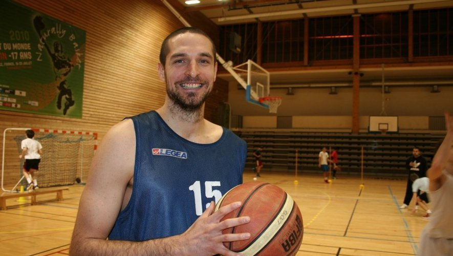 Jérémy Balue a offert une précieuse victoire au Rodez basket Aveyron, samedi 11 janvier.
