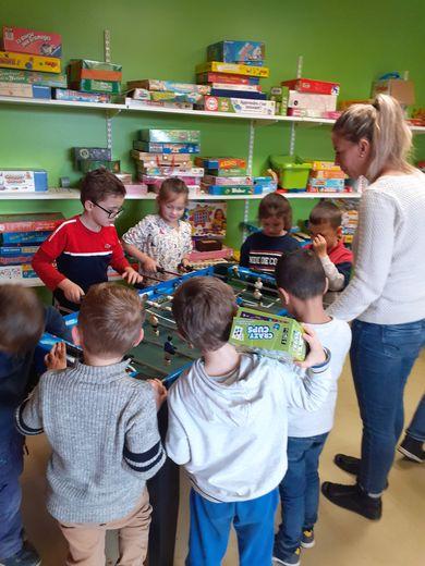 Des jeux à L'île aux enfantsde Baraqueville.