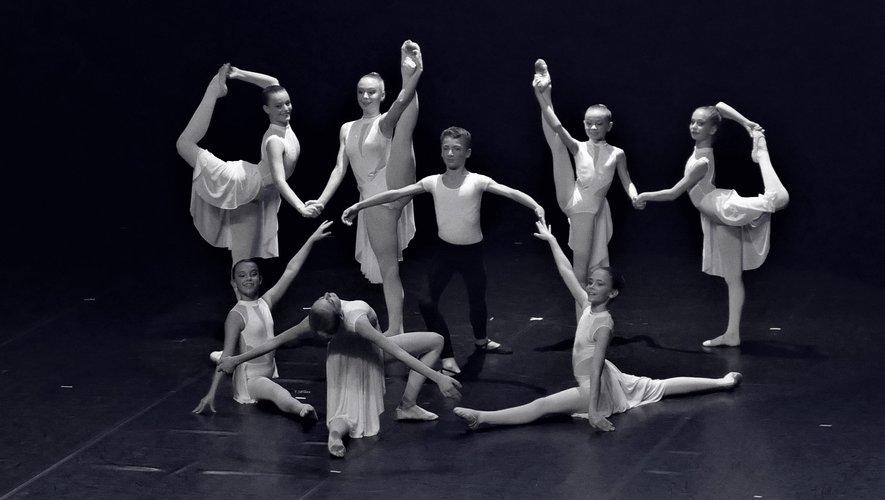 Les danseurs de l'école de Valentine Massif ont enchanté leur public.