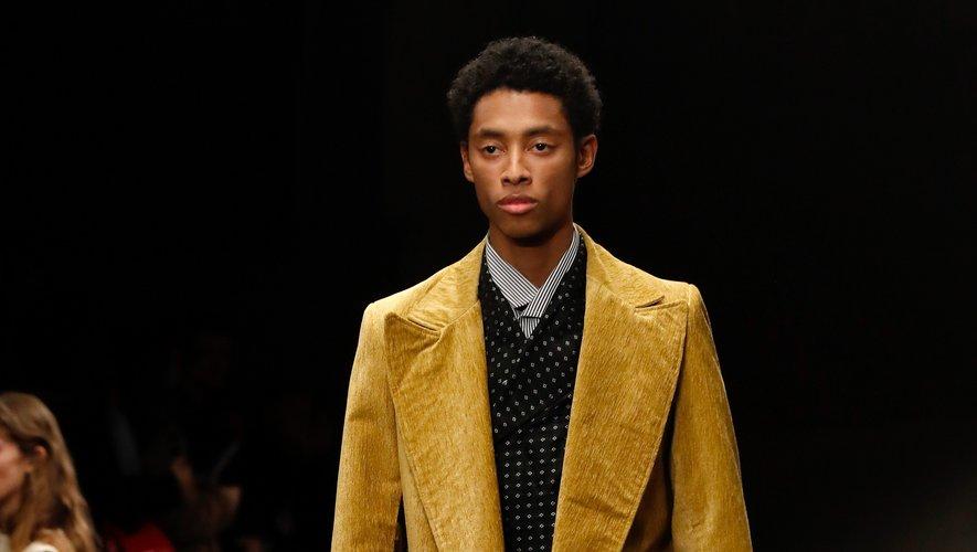 Dans la collection automne-hiver 2020-2021 de Rhude, on retrouve de nombreux costumes chic et des manteaux ceinturés, constituant un vestiaire classique revisité dans des teintes plus décalées. Paris, le 14 janvier 2020.