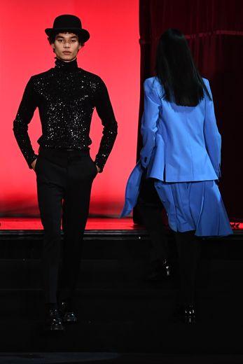 Pour le 9e anniversaire d'AMI by Alexandre Mattiussi, l'homme n'en oublie pas d'être festif avec un vestiaire dominé par les détails scintillants avec notamment beaucoup de sequins. Paris, le 14 janvier 2020.