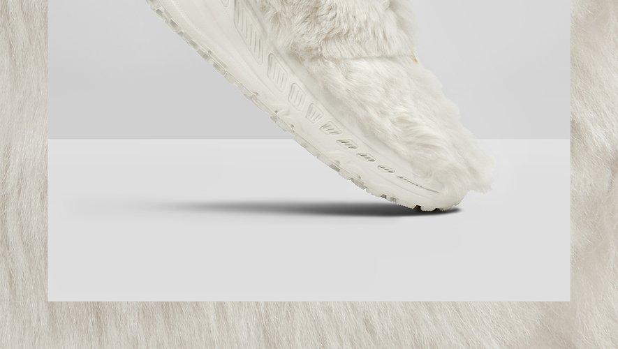 """La paire de sneakers """"CA805 x 2020"""" de la marque UGG sera disponible le 17 janvier."""