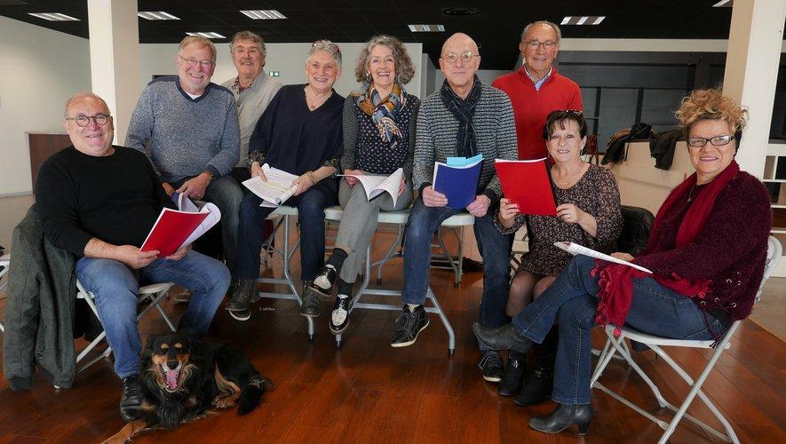 La troupe durant la 2e lecture et la distribution des rôles.