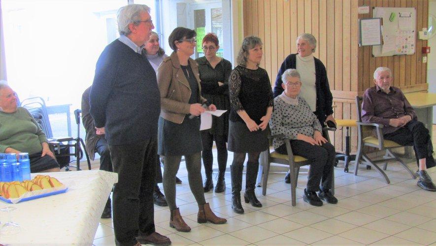 Les intervenants ont présenté leurs meilleurs vœux aux résidents, aux bénévoles et aux membres du personnel et du conseil d'administration.