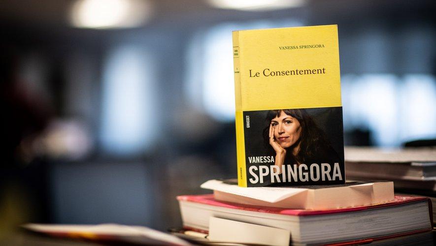 Le livre de Vanessa Springora, publié chez Grasset, est sorti en librairie le 2 janvier. Réimprimé, l'ouvrage a atteint un tirage de 85.000.