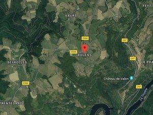 L'accident s'est produit peu avant 18 heures dans une ligne droite à la sortie du lieu-dit Rouens, en direction de Lacroix-Barrez.