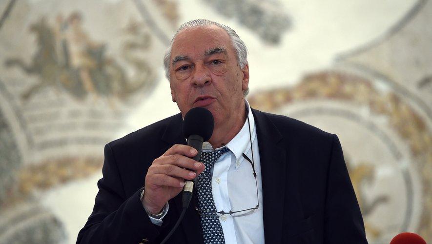 Le romancier Didier Decoin, 74 ans, a été choisi lundi par ses pairs pour prendre la barre de l'académie Goncourt en remplacement de Bernard Pivot