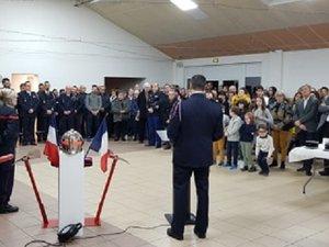 Les habitants venus écouterles discours lors de la Sainte-Barbe.