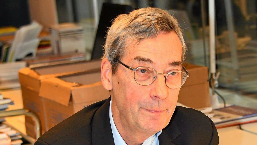 Depuis début juillet 2019,  Alfred Pacquement a pris les commandes de l'EPCC Soulages, pour lequel il nourrit beaucoup d'ambition.