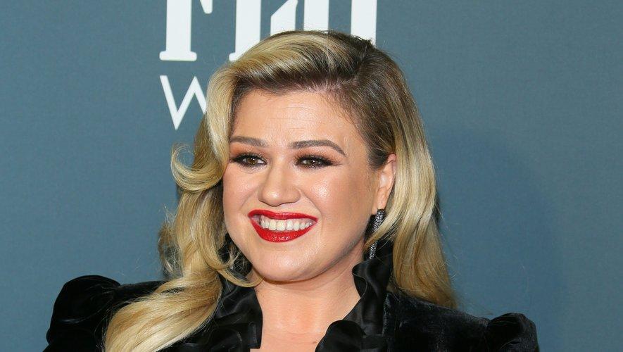 La chanteuse américaine Kelly Clarkson à la 25ème soirée des Critics' Choice Awards, le 12 janvier 2020