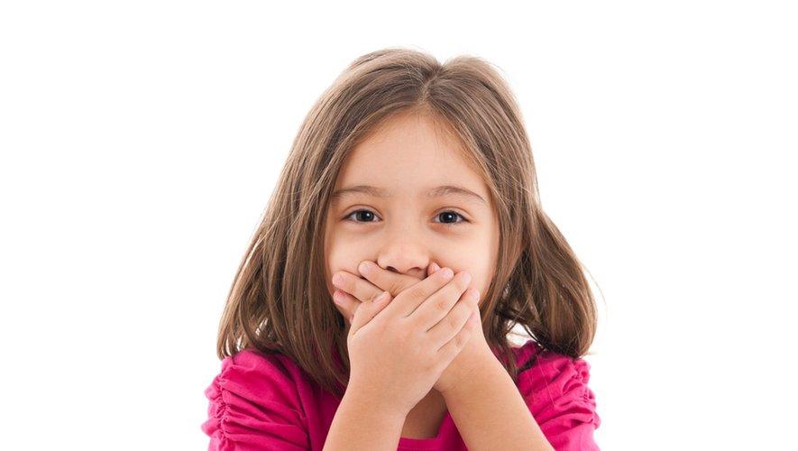 Mon enfant dit des gros mots, que faire?