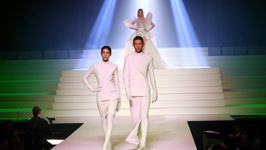 """Si la frontière entre les genres est de plus en plus floue dans la mode, Jean Paul Gaultier a clairement été le précurseur du """"gender fluid"""". Paris, le 22 janvier 2020."""