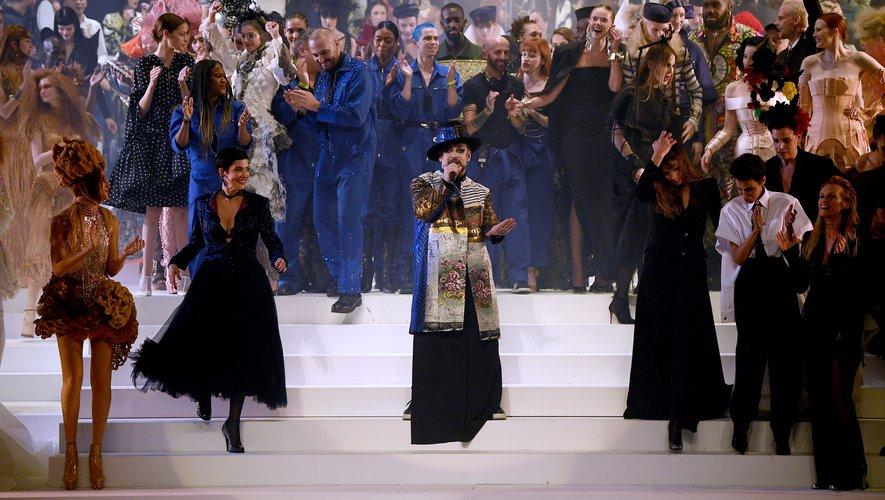 Boy George a assuré le show pour clôturer le défilé de Jean Paul Gaultier, véritable performance durant cette semaine consacrée à la haute couture. Paris, le 22 janvier 2020.